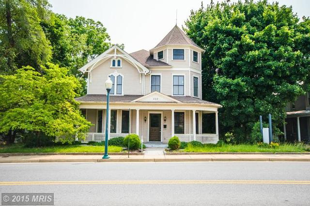 222 Royal Ave, Front Royal, VA 22630