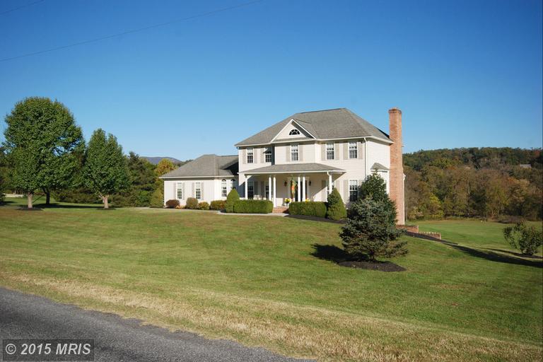 1318 Rawley Ridge Dr, Front Royal, VA