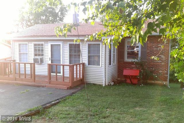 124 Steele Ave, Front Royal, VA 22630