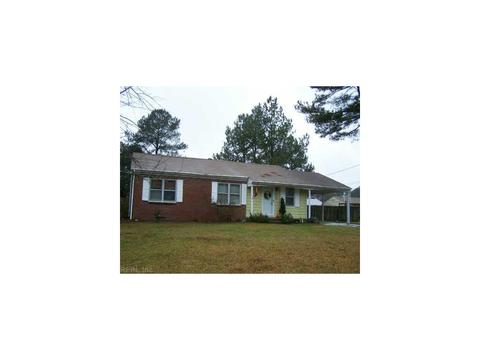 836 Mayflower Dr, Suffolk, VA 23434