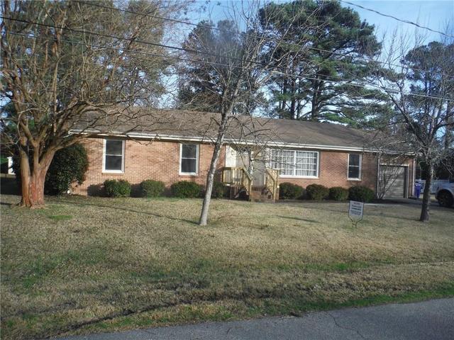 4225 Burnham Dr, Portsmouth, VA 23703