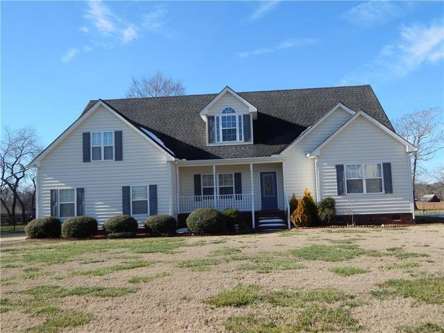 120 Queens Ln, Franklin, VA 23851