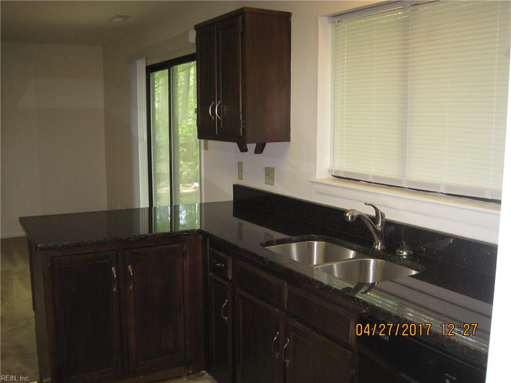 Kitchen Design Newport News Va 721 Longleaf Ln Newport News Va Mls 10123187 Movoto