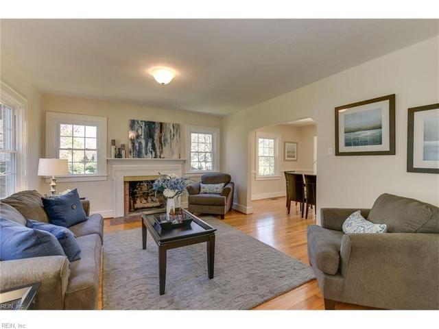 28 Cedar Ln, Newport News, VA 23601
