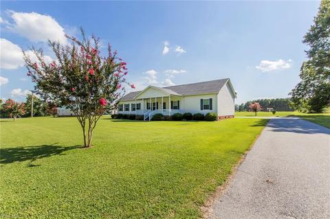 21380 Dixie Farm Rd, Franklin, VA 23851