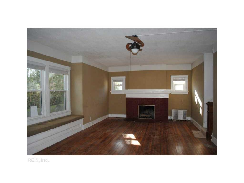 5209 Huntington Avenue, Newport News, VA 23607