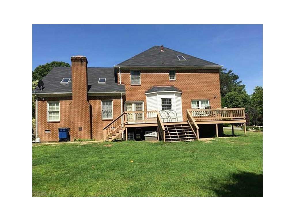 1723 York Shores Drive, Gloucester Point, VA 23062