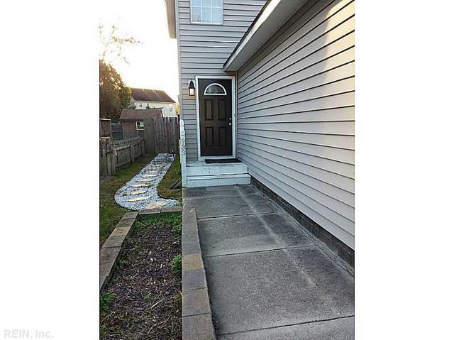 933 Bells Mill Rd, Chesapeake, VA