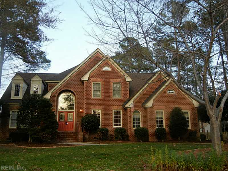 821 Spruce Forest Ct, Chesapeake, VA