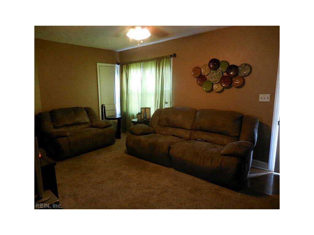 341 Wilton Avenue, Hampton, VA 23663