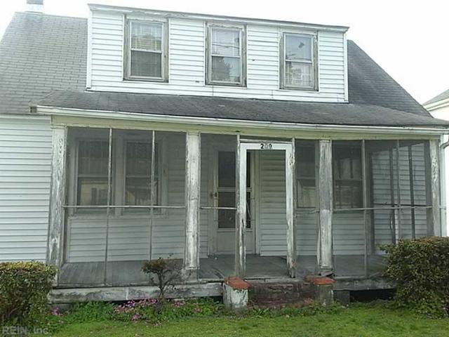 209 Middle St, Smithfield VA 23430