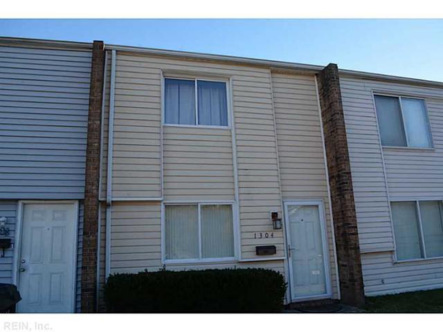 1304 Green Cedar Ln, Virginia Beach, VA