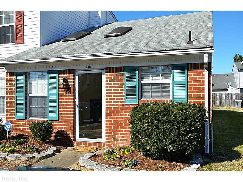 415 Hollomon Dr, Hampton, VA