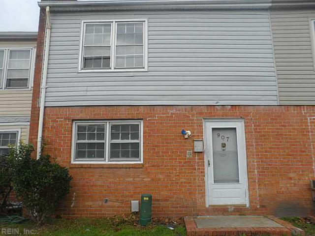 907 Harbour North Dr, Chesapeake VA 23320
