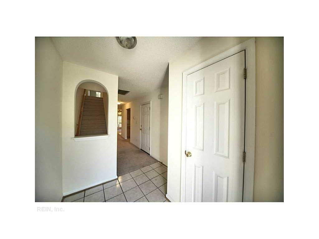 942 Allendale Drive, Hampton, VA 23669