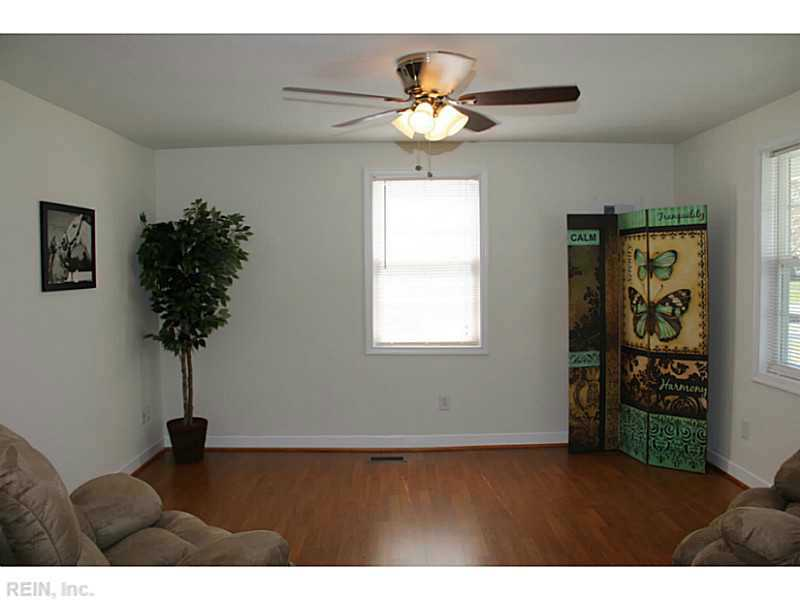 1329 Jackson Ave, Chesapeake VA 23324