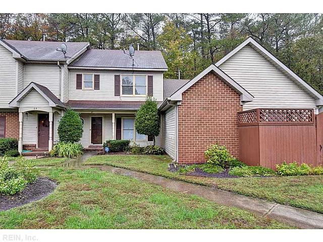 61 Hollis Wood Dr, Hampton, VA