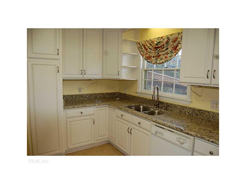 85 Wendfield Circle, Newport News, VA 23601