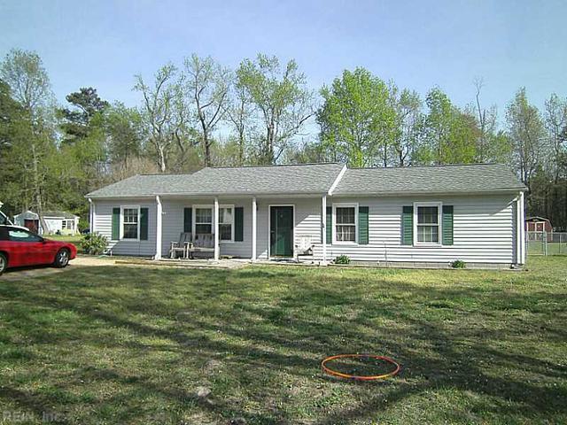 6314 New Pines Dr, Hayes, VA 23072