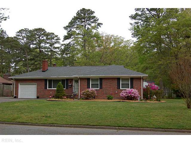 303 Longwood Dr, Newport News VA 23606