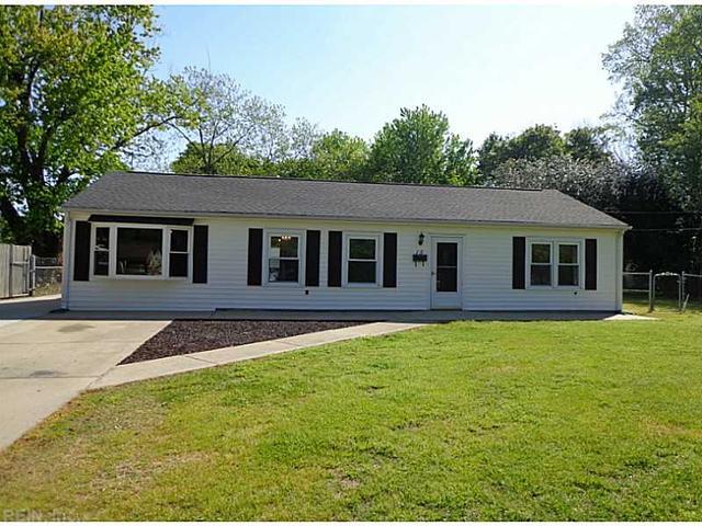 15 Cottage Ln, Newport News VA 23603