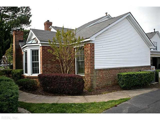 18 Barrymore Ct, Hampton, VA 23666