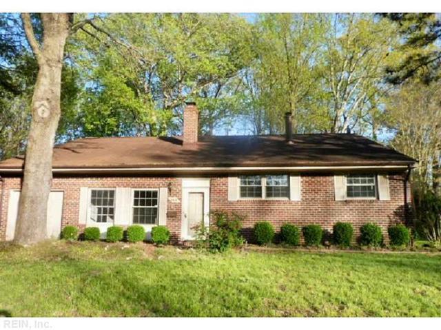 749 Chatsworth Dr, Newport News VA 23601