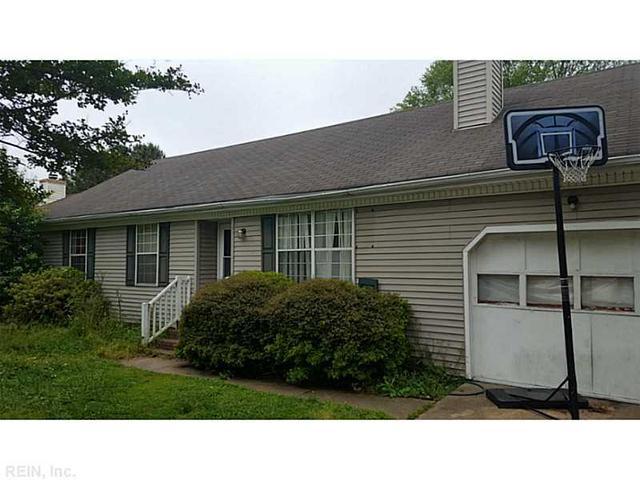 1236 Burns St, Chesapeake, VA 23320