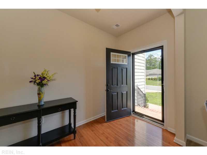 13231 Beacon Hill Way, Carrollton, VA 23314