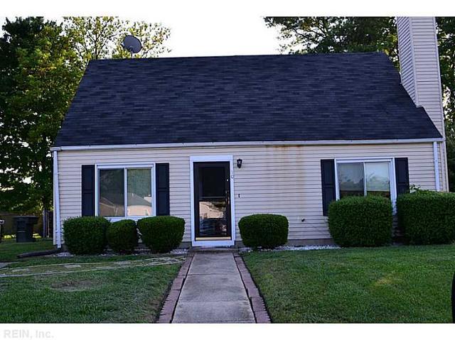 10 Roundtree Cir, Hampton VA 23661