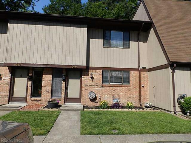 1049 Willow Green Dr, Newport News VA 23602