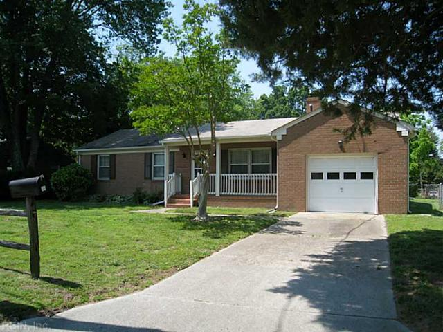 11 Moyer Rd, Newport News, VA