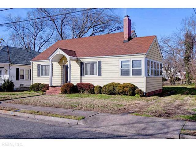 5 Magnolia Pl, Hampton, VA 23669