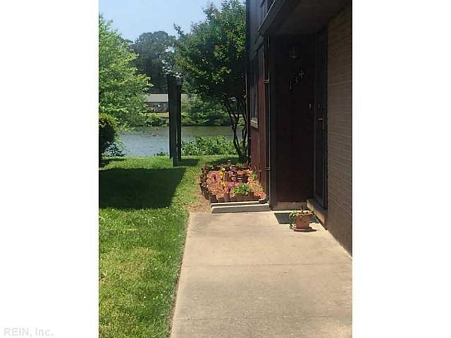 134 Lake One Dr, Hampton, VA 23666
