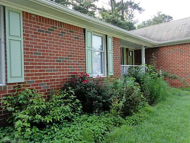 3512 N Bernies Ct, Chesapeake, VA 23321