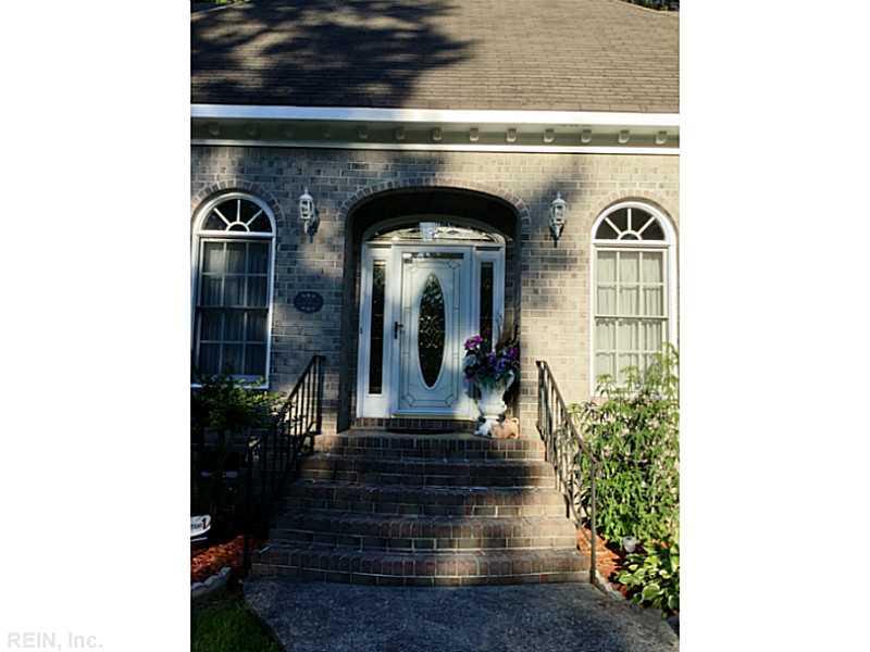 509 Shadow Brooke Drive, Chesapeake, VA 23320