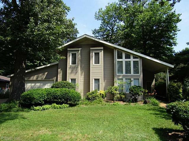 10 Ardmoor Dr, Hampton, VA 23666