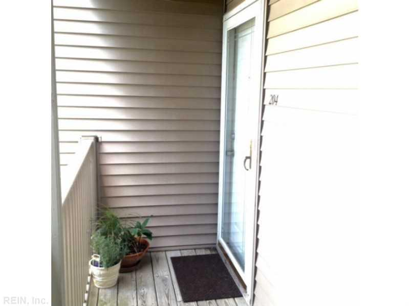 535 Pineland Circle #204, Newport News, VA 23608