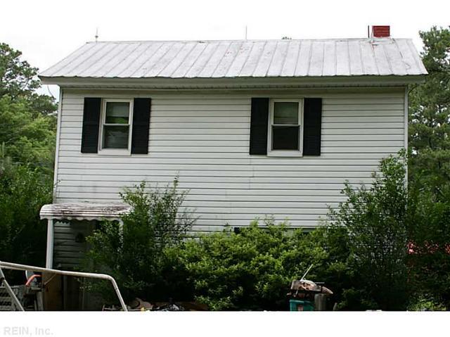 868 Glebe Rd, Saint Stephens Church, VA 23148