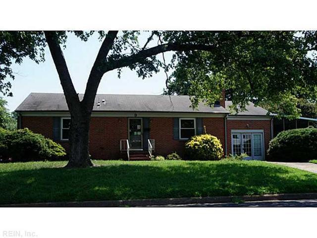9 Saxon Ln, Newport News, VA 23601