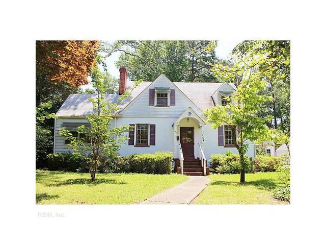 104 James River Dr, Newport News, VA 23601