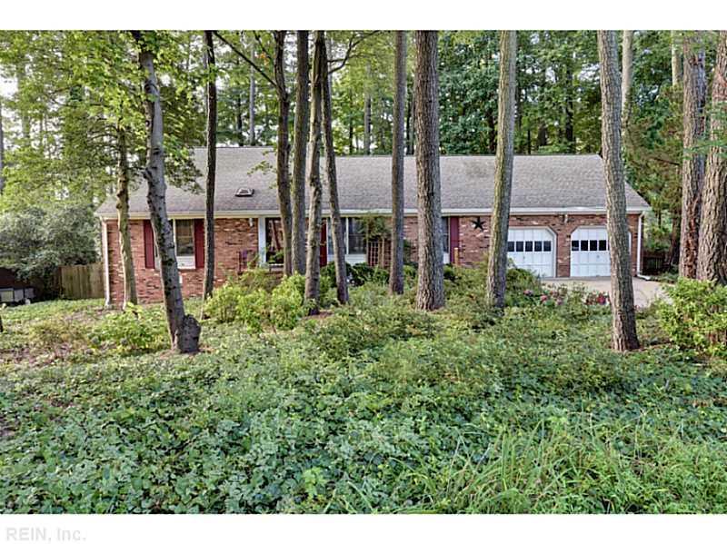 105 Chestnut Court, Yorktown, VA 23692