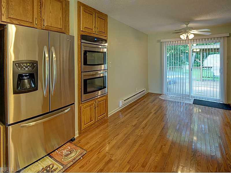 201 Kings Point Avenue, Smithfield, VA 23430