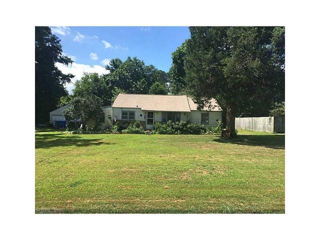 4033 Woodland Dr, Chesapeake, VA 23321