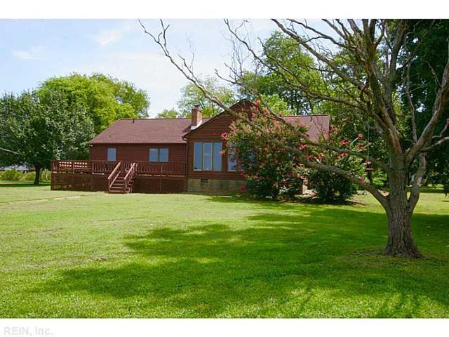 37 Hampshire Dr, Hampton, VA 23669