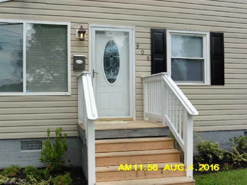 906 W Russell Court, Newport News, VA 23605