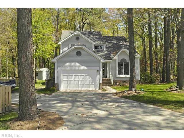 865 Hardwood Dr, Chesapeake, VA 23320