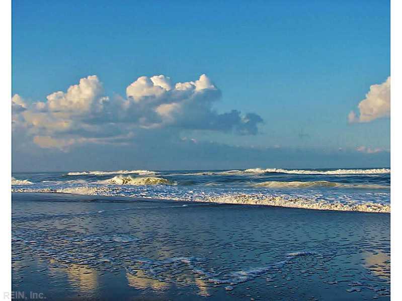 3738 Sandpiper Road #425B, Virginia Beach, VA 23456