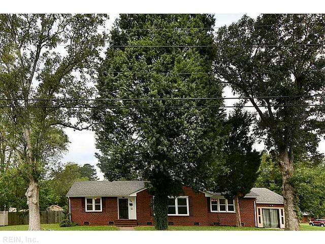 14 Bayberry Dr, Newport News, VA 23601