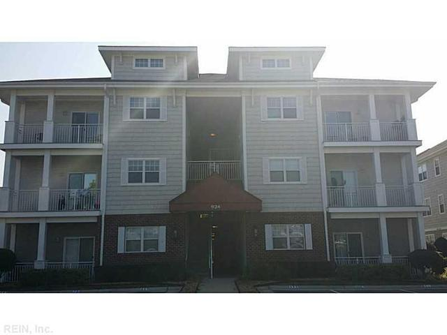 924 Southmoor Dr #302, Virginia Beach, VA 23455